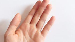指がむくんでしまった時の対処法。