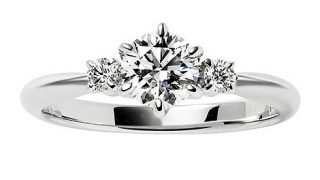 すらっとした長い指のあなたにおススメしたい指輪