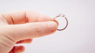 古い指輪・・・鑑定書がなくても売却できる?